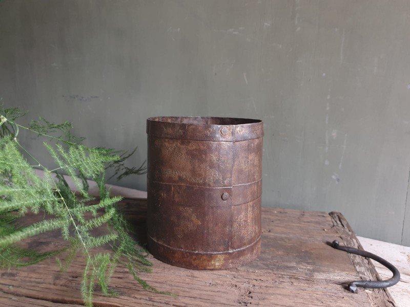 Oude ijzeren pot B