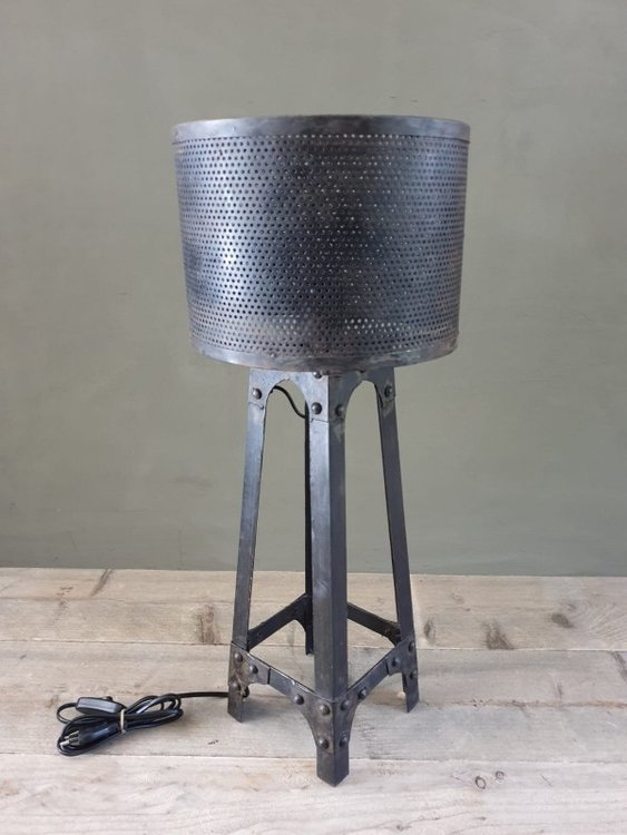 Iron tower lamp